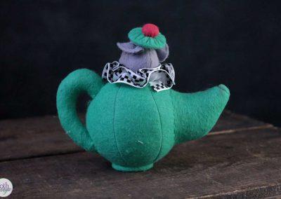 alice in wonderland - mouse in teapot doll back