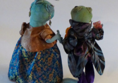 courting frog art doll by karen shifton - 03