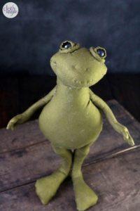 froggy cloth magic doll