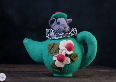 alice in wonderland - mouse in teapot doll